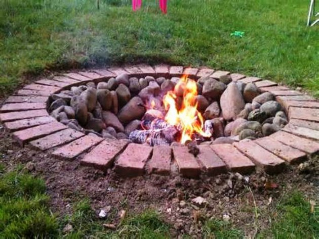 18 Marvelous DIY Outdoor Fire Pit Designs For Real ...