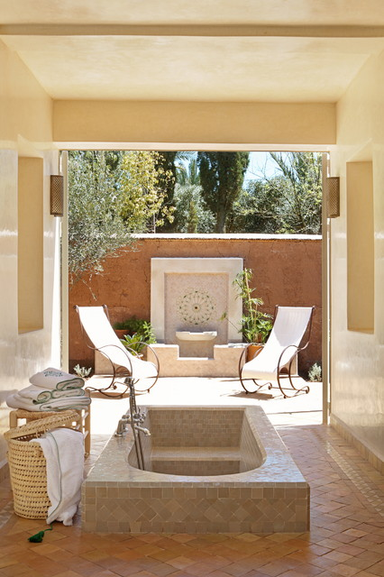 17 Astounding Mediterranean Bathroom Designs That Are Sparkling With Elegance