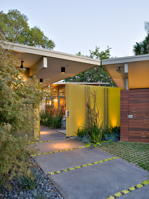 17 Welcoming Mid-Century Modern Entrance Designs That Will Invite You Inside