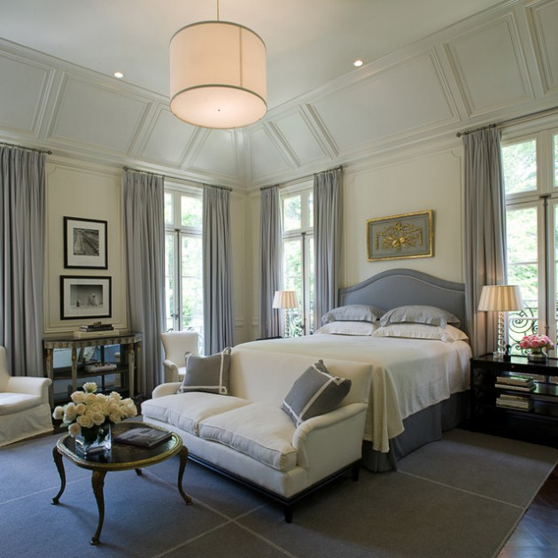 21 Lovely Traditional Bedrooms For A Warm & Cozy Atmosphere