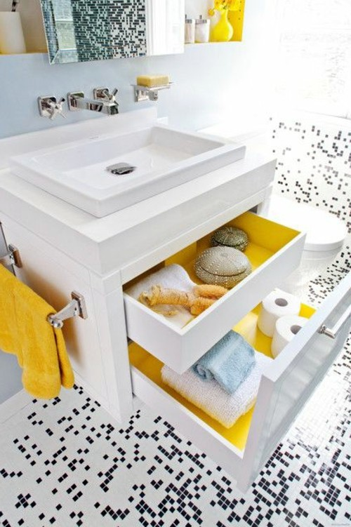 16 DIY Extra Storage Items For Small Bathrooms