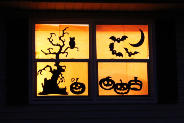 17 Easy To Make Interesting DIY Halloween Decorations