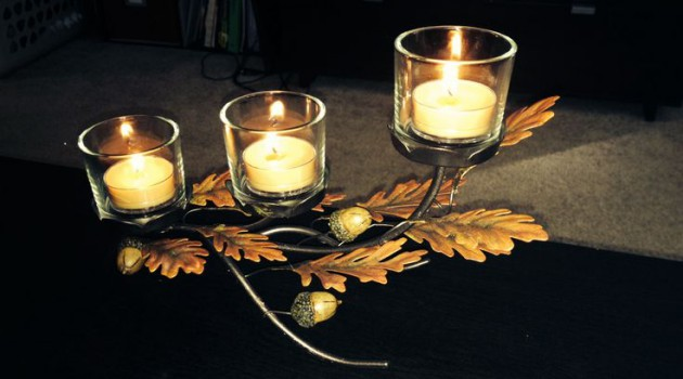 10 Ways To Make Wonderful Fall Decor With Fallen Leaves
