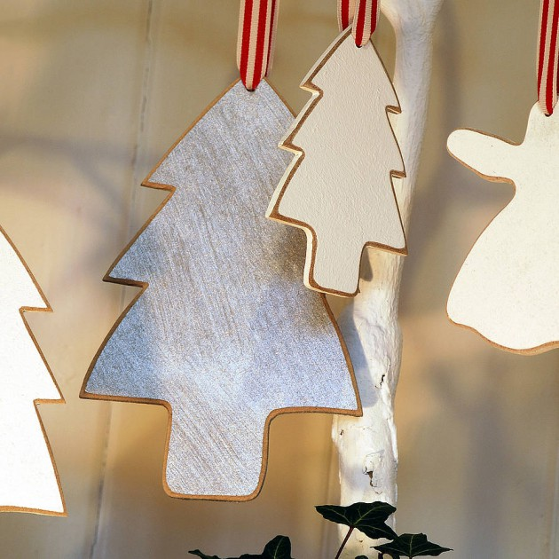 17 Most Simple & Beautiful DIY Christmas Decorations That Can Be Made From Wood