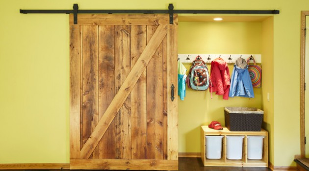 19 Delightful Interiors With Rustic Barn Doors