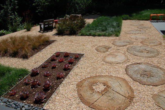 17 Creative Round Stepping Stone Designs For Your