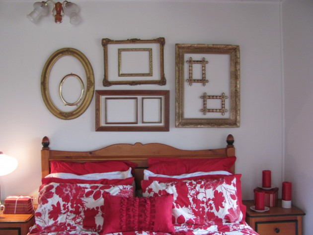 Decorating With Empty Frames- 18 Brilliant Ideas To Make Trendy Home