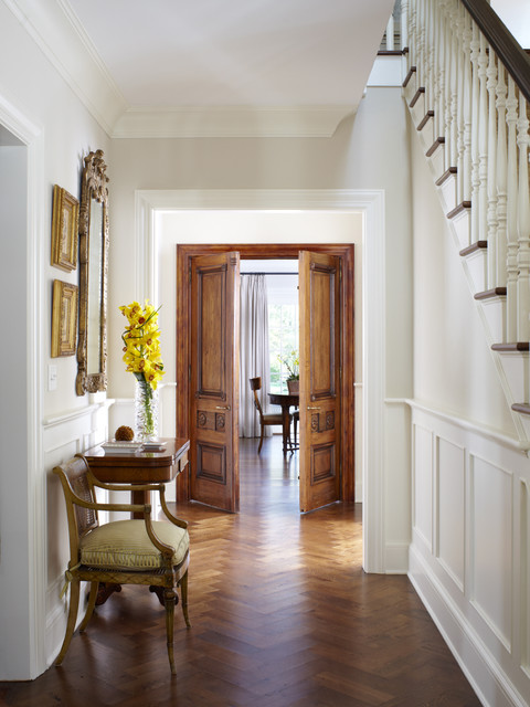 Add Warmth In The Space With The Use Of Wooden Doors