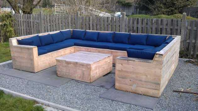 17 Most Creative Ideas To Make Cozy Pallet Corner Sofa