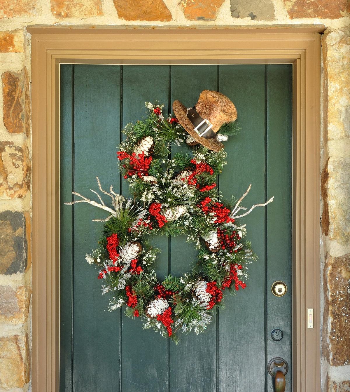 18 Chilly Handmade Winter Wreath Designs For Your Front Door