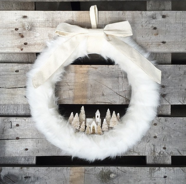 18 Chilly Handmade Winter Wreath Designs For Your Front Door