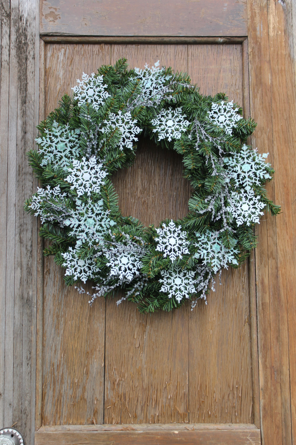 18 chilly handmade winter wreath designs for your front door for Design your front door