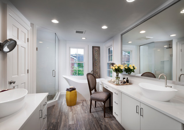 19 Unforgettable Transitional Bathroom Interiors For A Touch Of ...