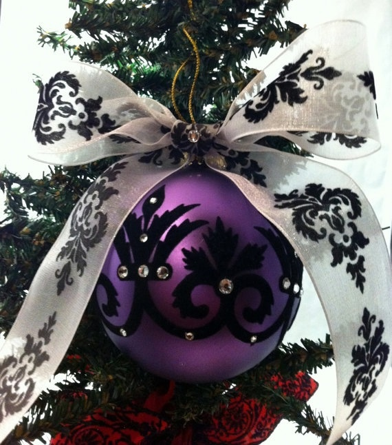 Christmas Decorations In Purple: 19 Amazingly Gorgeous Purple Christmas Decorations To Add