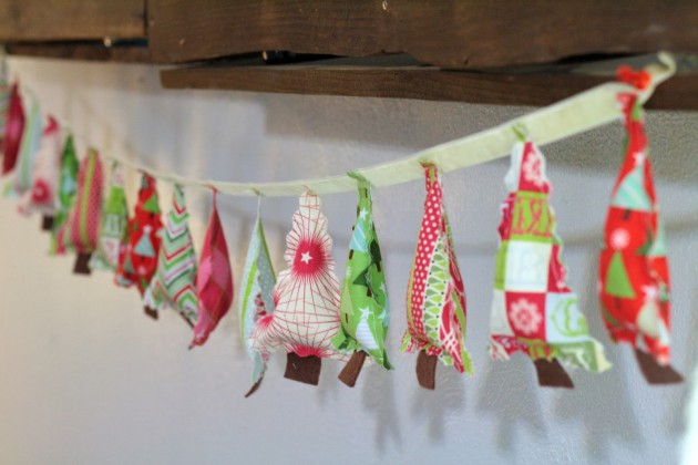 17 Last Minute & Inexpensive DIY Hanging Christmas Decorations