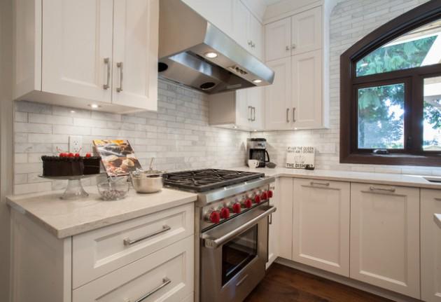 Gorgeous Kitchens With Natural Stone Backsplash