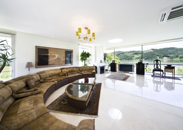 Design Elements and Trends That Express the Ultimate in Luxury
