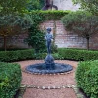 18 Pleasurable Fountain Designs To Adorn Your Courtyard
