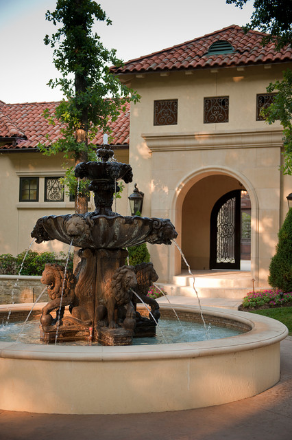18 Pleasurable Fountain Designs To Adorn Your Courtyard