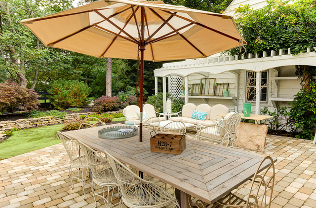 Awesome 16 Snug Shabby Chic Patio Designs That Will Transform Your Garden