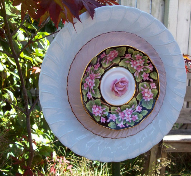 15 Truly Fascinating DIY Ideas To Make Inexpensive Garden Flowers