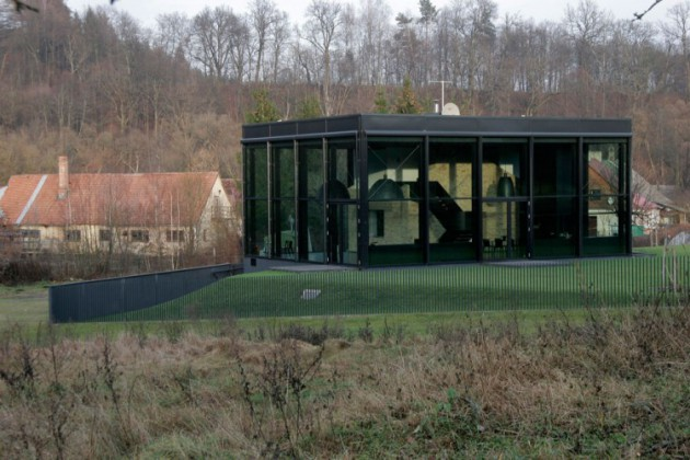 Pavilniai House   A Fabulous Glass House Located in Lithuania