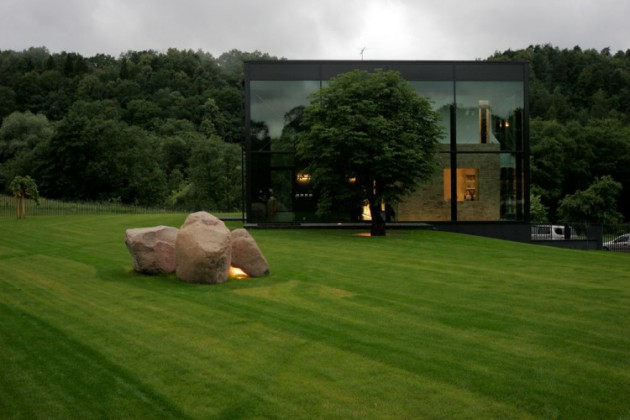 Pavilniai House – A Fabulous Glass House Located in Lithuania