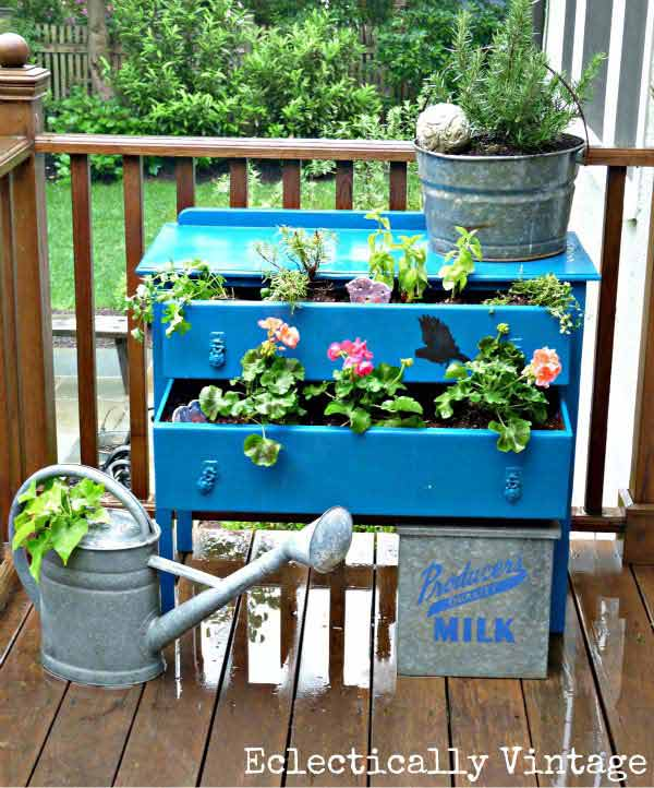 22 Surprisingly Genius Ideas To Repurpose Old Stuff In The Garden That You Must See