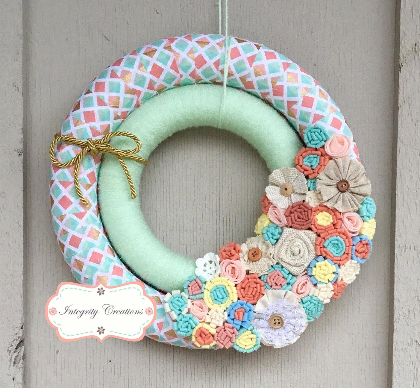 15 joyful handmade spring wreath ideas to decorate your for Handmade decoration