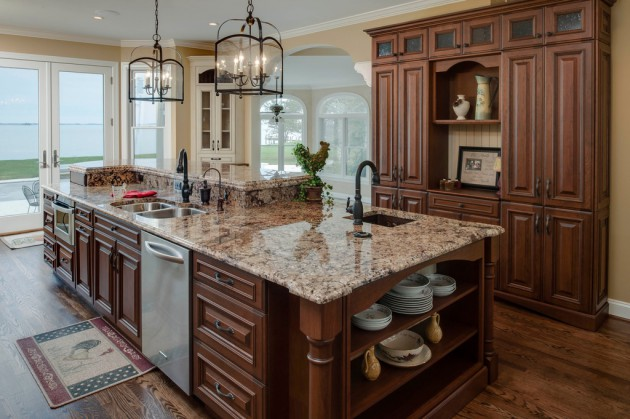 16 Delightful Brown Kitchens In Traditional Style