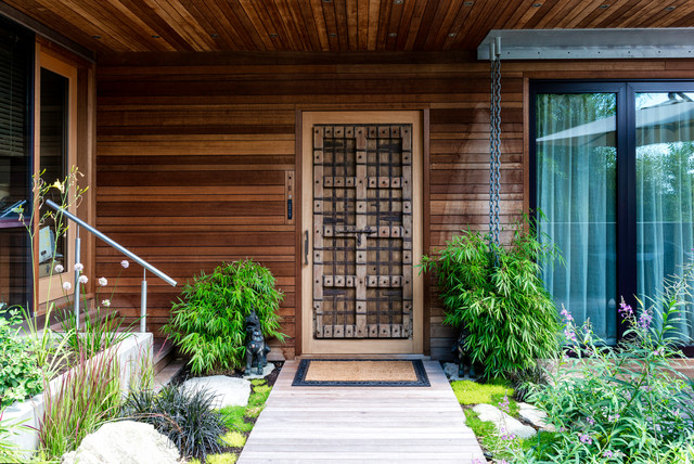 17 Inviting Asian Entrance Designs That Will Drag You Inside on Japanese Engawa House Lake