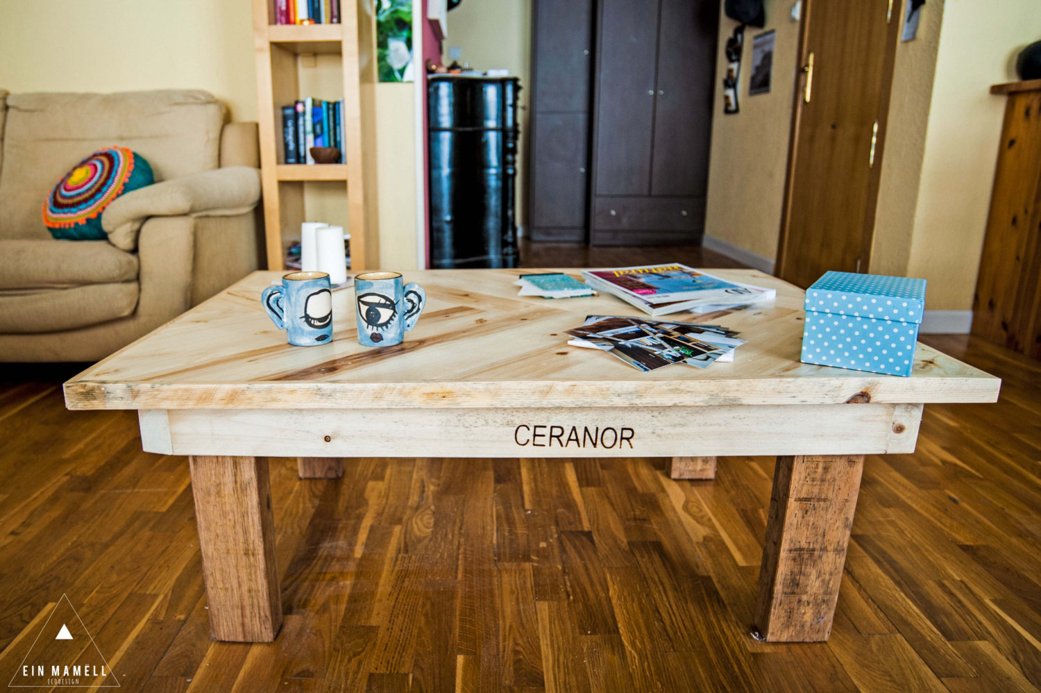 Wood pallet coffee table do you assume wood pallet coffee table - Recycled Pallet Wood Hall Table