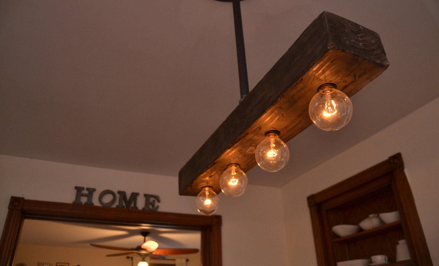 18 Slick Handmade Reclaimed Wood Diy Projects That You Ll