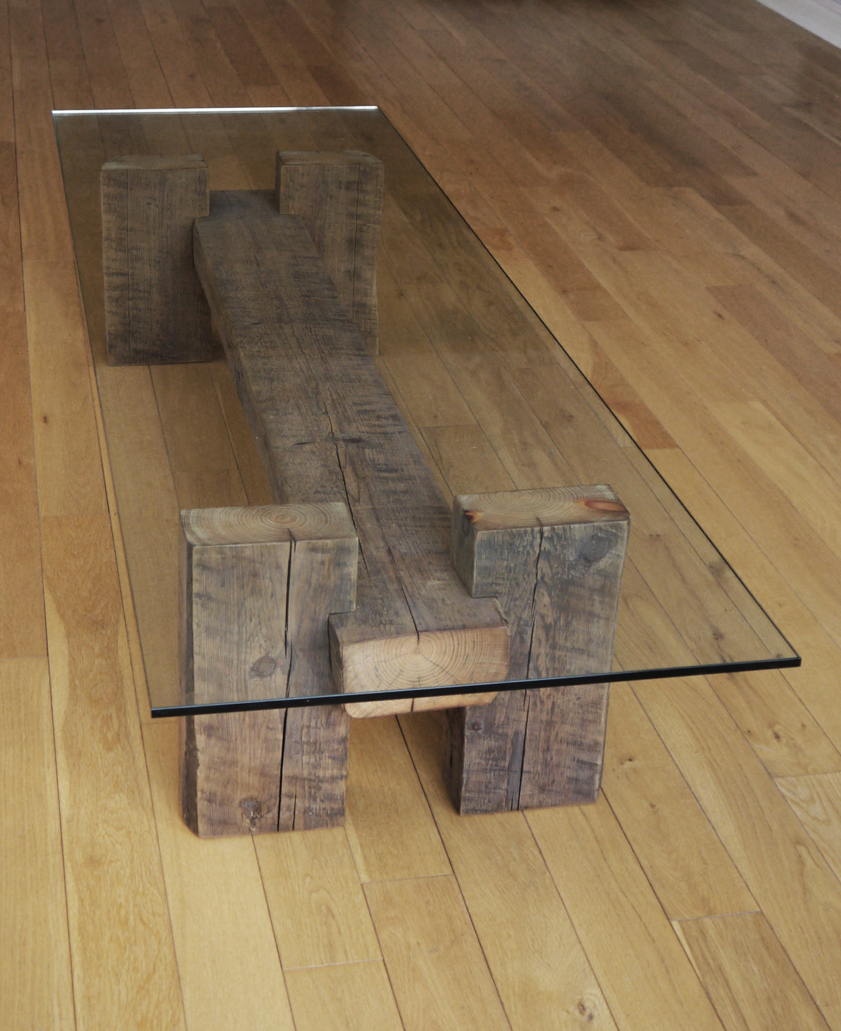 18 slick handmade reclaimed wood diy projects that you 39 ll for Glass coffee table with wood