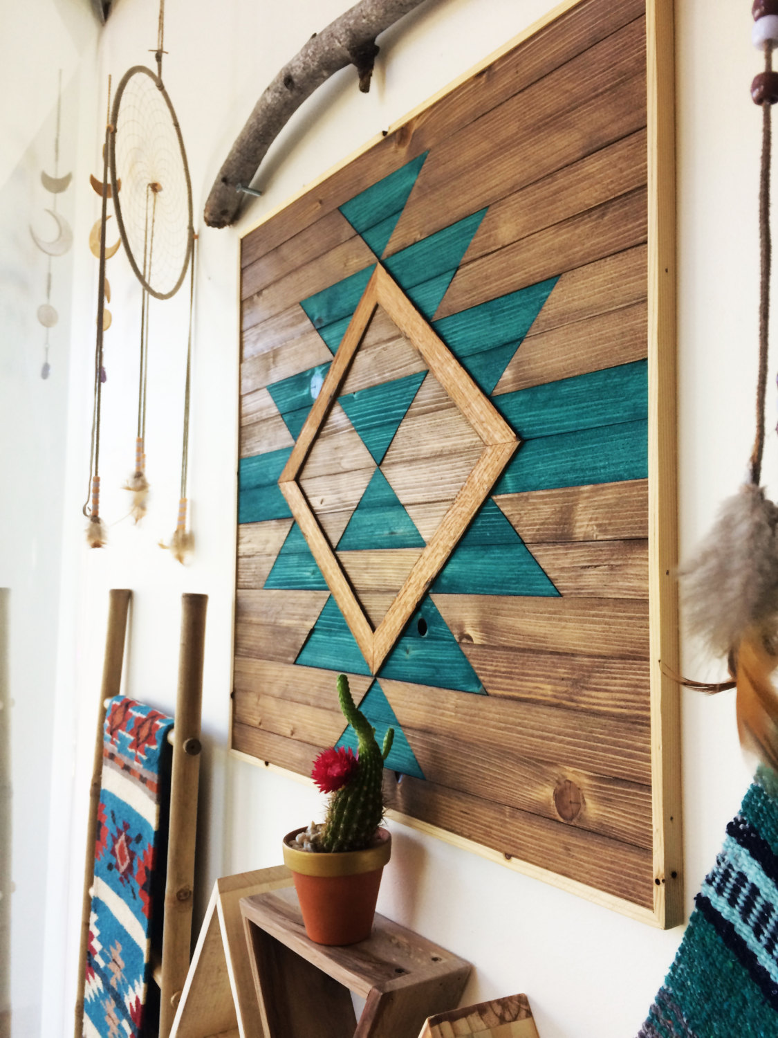 18 slick handmade reclaimed wood diy projects that you 39 ll for American indian decoration