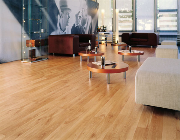 17 Delightful Interior Designs With Laminate Flooring
