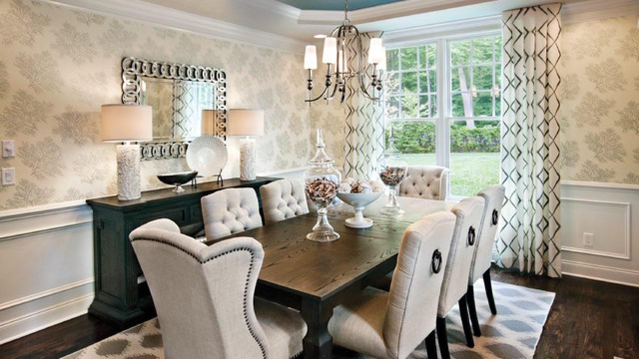 Picture of: 17 Lovely Dining Rooms With Cozy Upholstered Dining Chairs
