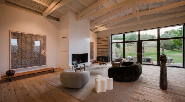 How To Decorate Stylish Living Room That Everyone Will Adore?