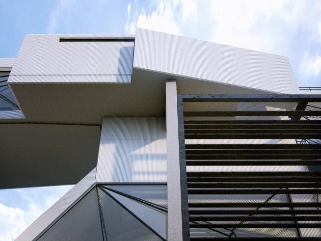 Aviator's Villa - A Unique House For A Retired Pilot