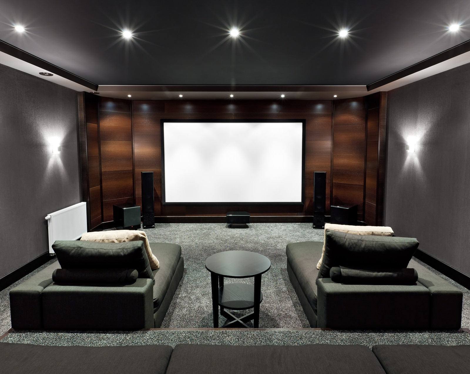 Top 3 gaming accessories for your entertainment room Home cinema interior design ideas