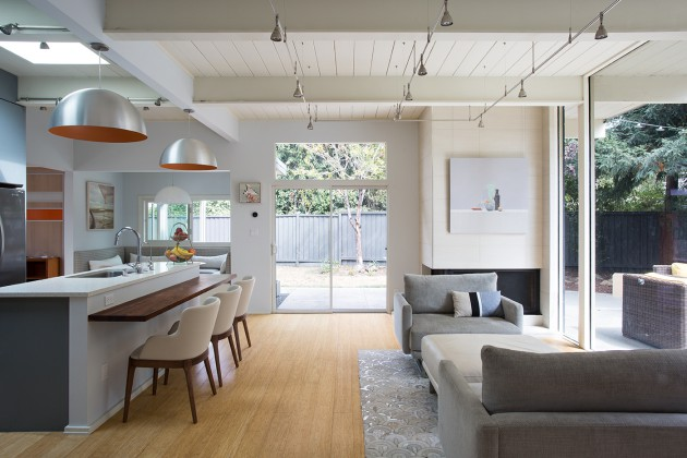 Eichler Indoor-Outdoor Home by Klopf Architecture, Silicon Valley