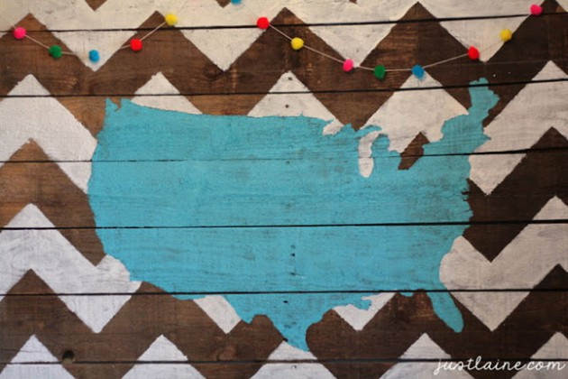 17 Truly Amazing Wall Decorations Made Of Reclaimed Wood