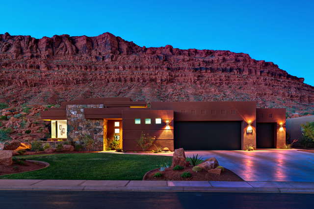 15 captivating southwestern home exterior designs you 39 ll for Southwest house designs
