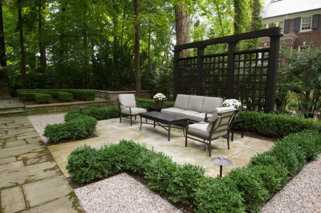 18 magnificent privacy screen options for your backyard for Privacy screen backyard