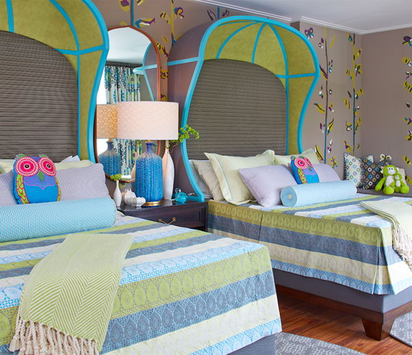 20 Fascinating Child's Rooms With Identical Beds Designs For Twins