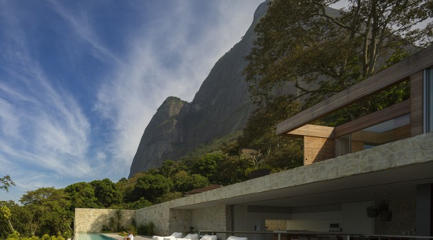The AL House by Studio Arthur Casas in Brazil Is What You Need To See Today