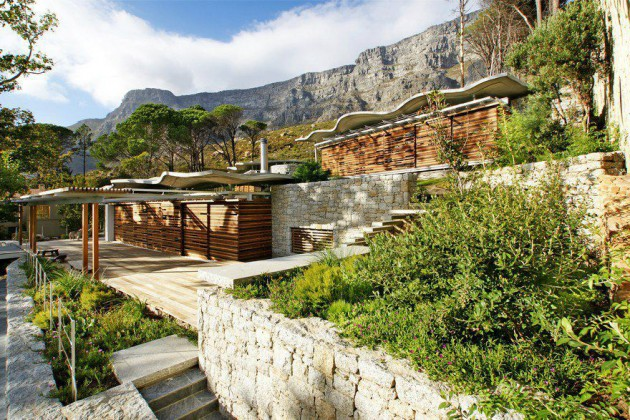 The Astonishing Mountain House by Van Der Merwe Miszewski Architects
