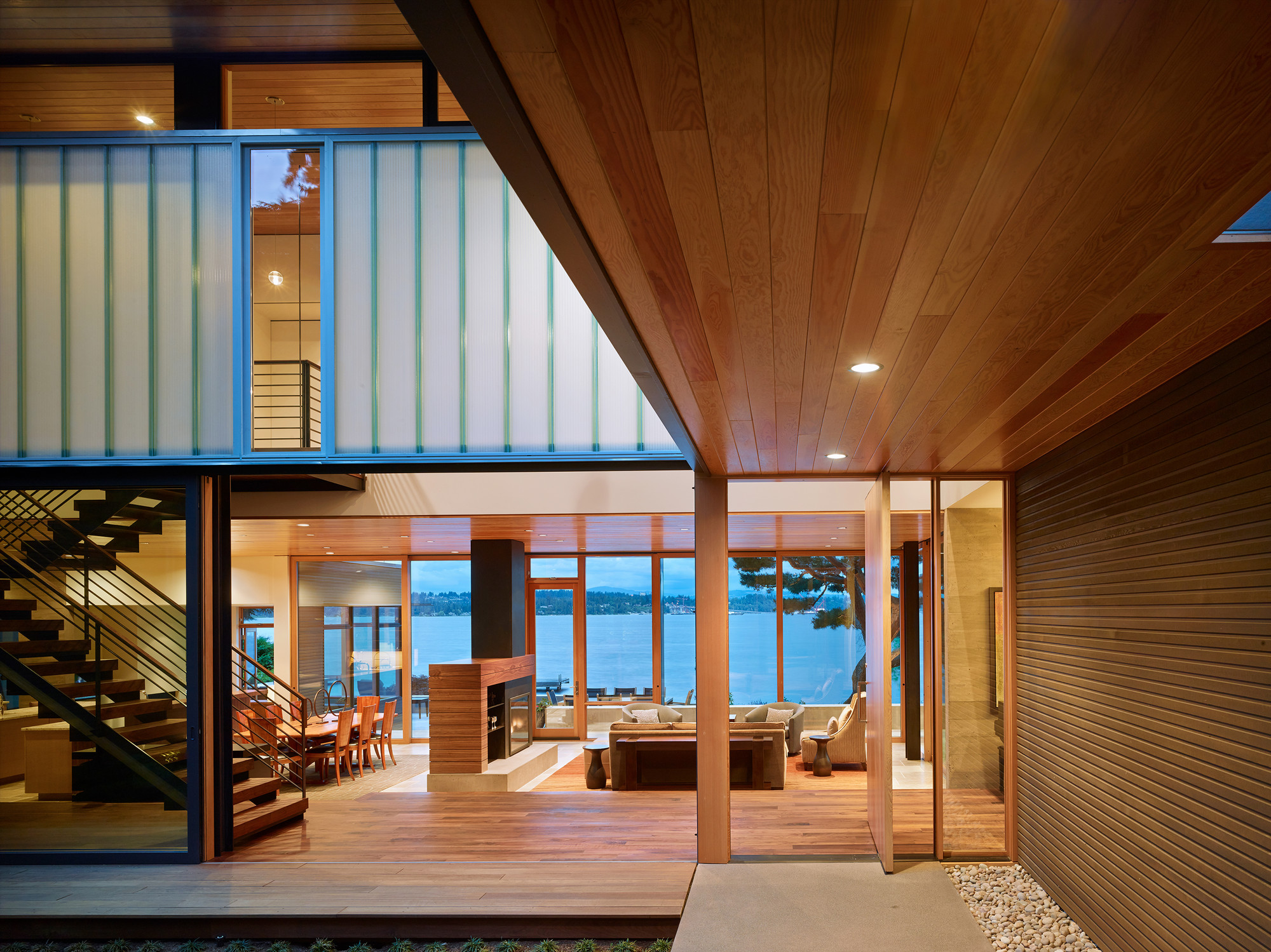 The Courtyard House Is A Contemporary Residence In Seattle ...