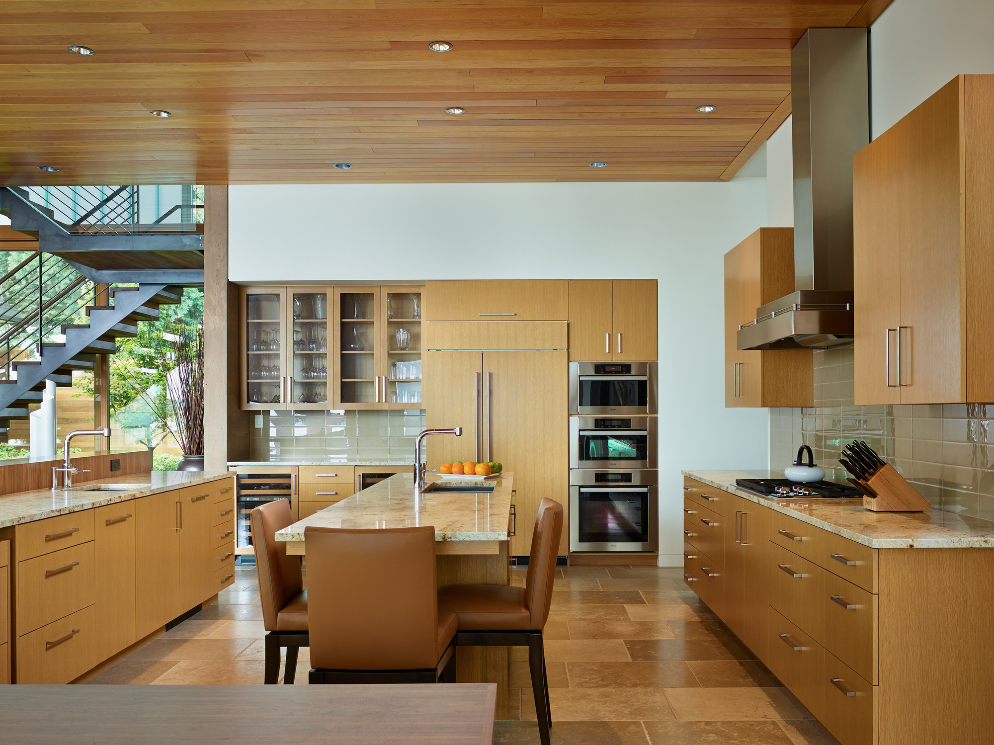 courtyard house is a contemporary residence in seattle by deforest  - the courtyard house is a contemporary residence in seattle by deforestarchitects