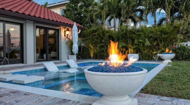 20 Irresistible Backyard Fire Pit Designs For Full Enjoyment